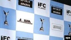 جوایز«اسپيريت» اولين جوايزی است که در آمریکا برای اهمیت بخشیدن به سینمای مستقل پایه گذاری شد.