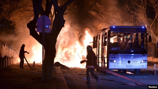 According to the Ankara governor, the bomb appeared to have targeted a convoy of buses carrying military personnel.