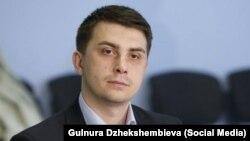 Саясаттанушы Денис Бердаков.