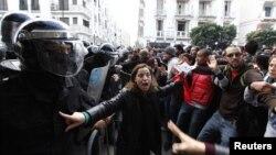 Протести во Тунис.