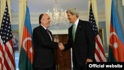 Кери во понеделникот имаше средба и со азербејџанскиот колега Елмар Мамадјаров.