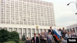 Знаменитая речь Бориса Ельцина на танке возле дома правительства (19 августа 1991 года)