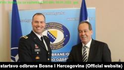 Šef misije NATO u BiH Vilijam Edvards i ministar obrane BiH Sifet Podžić