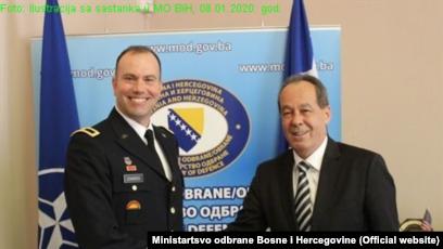 """""""Uvijek je orijentacija da moramo imati regionalnu saradnju i mi to pokušavamo, koliko god je moguće, više raditi"""", kaže ministar Podžić (na fotografiji desno, sa komandantom NATO u BiH Williamom Edwardsom)"""