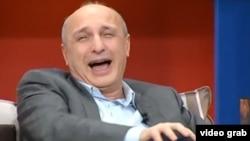 """Вано Мерабишвили в бытность премьер-министром Грузии участвует в передаче """"Шоу Вано""""."""