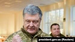 Порошенко заявив, що просив подзвонити Путіну після обстрілу українських кораблів