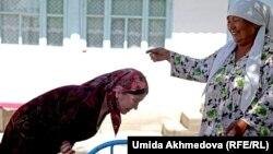Ташкенттеги казактарда да кайнене-кайнатага жүгүнүү салты бар
