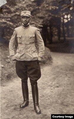 Ofițer român prizonier în Germania (Foto: Expoziția Marele Război, 1914-1918, Muzeul Național de Istorie a României)