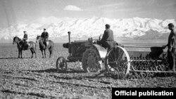 Кыргызстанда 1940-жылдары тартылган сүрөт.