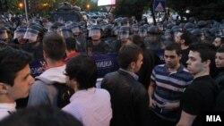 Македони - Президент Иванов Джоржан амнисти лучу сацамана дуьхьал протест