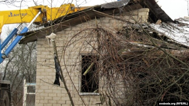 Residents of the Belarusian village of Paulovichy say they were not given enough warning about the destruction of their homes.