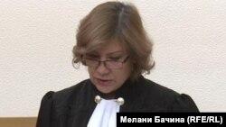 Судья Екатерина Галяутдинова читает приговор