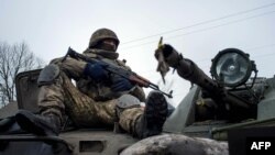 یک سرباز اوکراینی در دونتسک