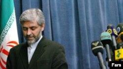 آقای حسینی گفته است: بحث تضمين امنيتی خواست ايران نيست. (عکس: فارس)