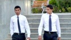 Täjigistanda okaýan türkmen studentleri Türkmenistana gitmekden howatyrlanýarlar