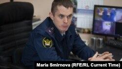 Начальник колонии №9 Иван Савельев во время пресс-тура для журналистов