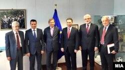 Архивска фотографија- Средба на претседателите на ВМРО-ДПМНЕ, СДСМ, ДУИ и ДПА со еврокомесарот Јоханес Хан