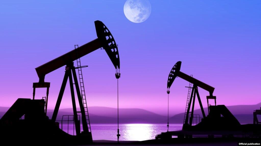U S  'Likely' Surpasses Saudi Arabia, Russia As Largest Crude Oil