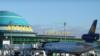 Допросы, проверки, изучение телефонов: кыргызстанцы жалуются на сложности в аэропортах Казахстана