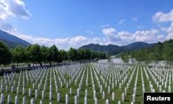 Мемориальное кладбище жертв массовых убийств в Сребренице