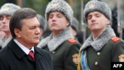 Viktor Yanukoviç and içdi, 25 fevral 2010