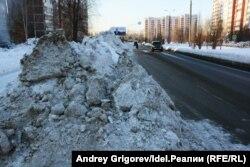 Начало улицы Фучика. Вывоз снега? Не, не слышали.