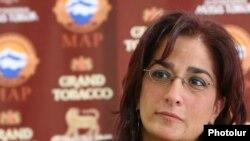 Արփի Վարդանյանը մամուլի ասուլիսում: 7-ը հոկտեմբերի, 2009թ.