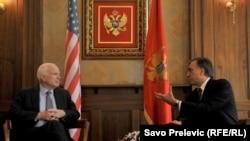 Džon Mekejn i Filip Vujanović, predsjednik Crne Gore, Podgorica, 12. april