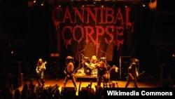 Cannibal Corpse на сцене.