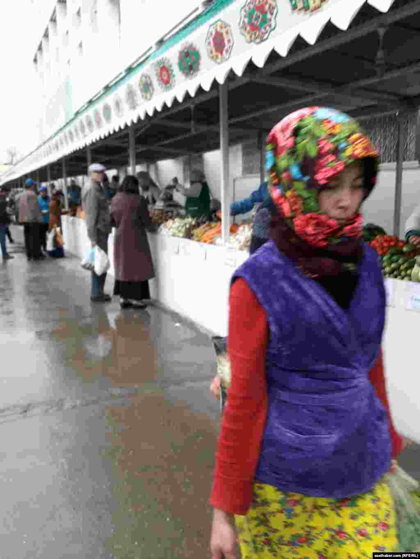 "Aşgabadyň ""Teke bazary"""