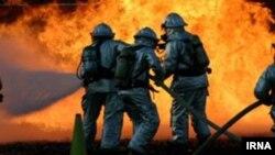ماموران آتش نشانی در تهران، عکس تزیینی است