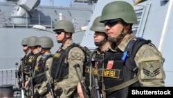 Pripadnici turske vojne mornarice