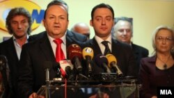 Претседателот на Сојузот на синдикати на Македонија Живко Митревски и министерот за труд и социјална политика Спиро Ристовски.
