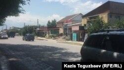 Одна из улиц микрорайона Шанырак. Алматы, 1 июля 2017 года.