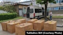 Kutije konfiskovanog duvana, 30. april