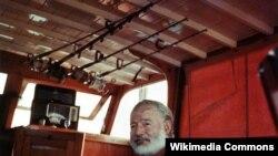 Hemingway Kubada öz qayığının kabinəsində