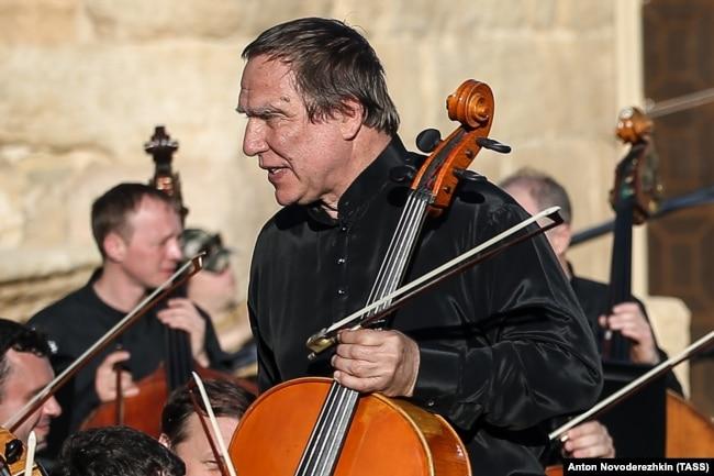 Опять Ролдугину готовить виолончель?: Шойгу доложил Путину о взятии Пальмиры
