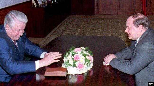 Борис Ельцин и Егор Гайдар, 1994 год