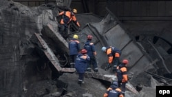 Russia -- Emergency rescue operation at Raspadskaya mine, Mezhdurechensk, Kemerovo region, 11May2010