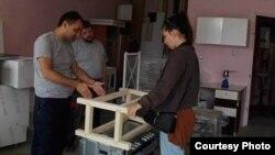 Изработка на деловите од трибината