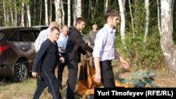 23 июля милиция и неизвестные разрушили лагерь экологов в Химках
