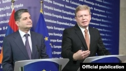 Belgium - EU Commissioner for Enlargement Stefan Fuele (R) and Armenian Prime Minister Tigran Sarkisian at a joint news conference in Brussels, 19Sep2011.