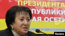Претседателскиот кандидат Ала Џиоева.