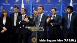 Специальная Комиссия по инвентаризации советских вкладов была создана по распоряжению президента Михаила Саакашвили еще в 2004 году. По решению премьер-министра Бидзины Иванишвили, срок полномочий Комиссии был продлен до декабря 2014 года