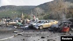 Թուրք - սիրիական սահմանին ավտոբուսի պայթյունից վնասվել են նաեւ այլ մեքենաներ, 11-ը փետրվարի, 2013թ.