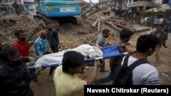هنوز شدت خسارتها و شمار قربانیان زمینلرزه ۷.۹ ریشتری نپال به درستی مشخص نیست