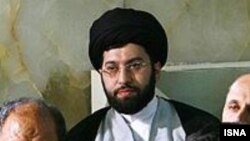 Ayatollah Ali Khamenei's son, Mojtaba Khamenei, is believed to have met with detained opposition leader Mir Hossein Musavi.