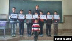 ابتکار معلم دبستانی در شهر تبریز؛ عکسی که در شبکههای اجتماعی بارها بازنشر شده است