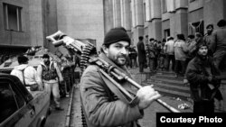 Chechen fighters in Grozny in 1994