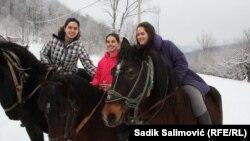 Ćamka, Dženeta i Kadira, kćerke Emina Bektića